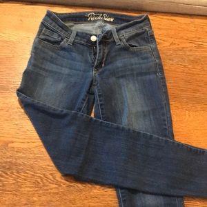 Old navy junior size 4 skinny jean